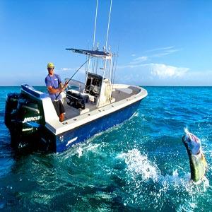 ماهیگیری با قایق موتوری